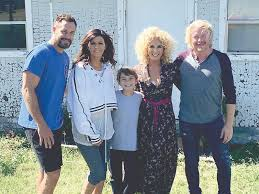 kimberly schlapman local student in little big town music video four points news