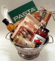 italian gift baskets best 25 chef gift basket ideas on groomsmen gift
