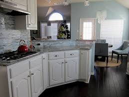 Kitchen Backsplash With White Cabinets by Kitchen Cabinet Hickory Cabinets With White Granite Drawer Knobs
