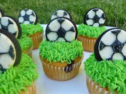 how to decorate cupcakes at home best 25 soccer cupcakes ideas on pinterest football cake