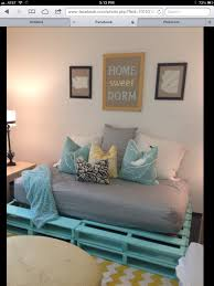 Pallet Indoor Furniture Ideas Fun Pallet Couch For A Dorm Room Dorm Stuff Pinterest Dorm