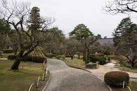 the illuminated kenrokuen garden viki pandit