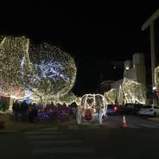 fayetteville square christmas lights lights of the ozarks 27 photos arts entertainment the sq
