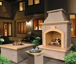 Yard Art Patio And Fireplace Front Yard Patio Courtyard Home Design Ideas