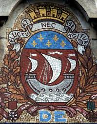 fluctuat nec mergitur revise your latin with the motto of paris