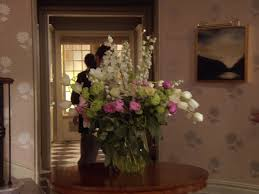 Blair Waldorf Bedroom by Waldorf Foyer Flowers Gossip Gossip Fashion File
