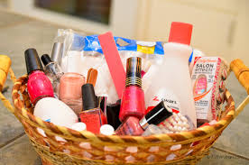 mothers day basket s day gifts inexpensive but fabulous ideas 719woman