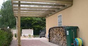 terrasse transparente quels matériaux choisir pour le toit de mon carport terrasse