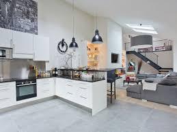 cuisine blanche ouverte sur salon cuisine et salon ouvert en image sur newsindo co