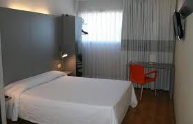 chambre b b hotel b b hotel girona 2 salt hotel info