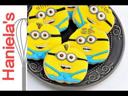 decorate despicable minions cookies