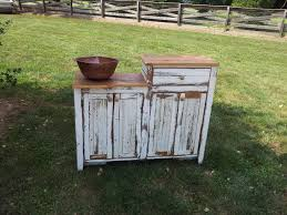 how to decorate your bathroom with barnwood furniture