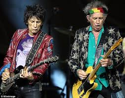 keith richards headband rolling stones dazzle melbourne fans in concert daily mail online