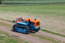 lamborghini tractor now u0027s your chance to own a vintage lamborghini tractor the drive