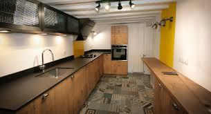 cuisines en bois cuisine bois et acier d inspiration vintage cuisine sur mesure