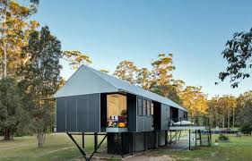 Cheap Houses To Build Self Sufficient Platypus Bend House Was Built To Float Above
