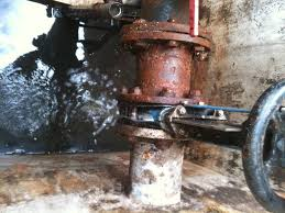 5 steps to repair an active pipe leaks