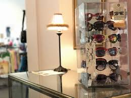 designer second shops shopping on a budget a guide to high end consignment shops in