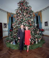 president to decorate the white house tree