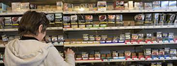 bureau de tabac proche les ventes de cigarettes en ont reculé de près de 20 en mars