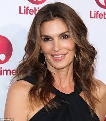cropped hair styes for 48 year olds cindy crawford on learning to love her beauty spot and how she