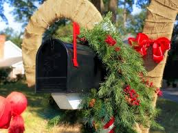Hgtv Christmas Decorating by Christmas Decor Diy Outdoor Holiday Decorating Ideas Hgtv U0027s