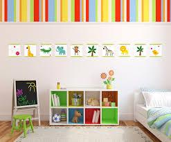 frise pour chambre bébé stickers une frise repositionnable pour décorer la chambre d