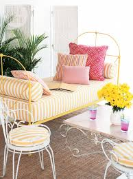 how to make a daybed style at home