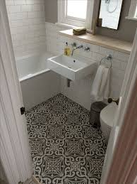 bathroom flooring ideas uk the 25 best small bathroom floor plans ideas on small