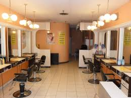 Interior Design Of Parlour Cuisine Charming Beauty Parlour Bangalore Parlour Interior Images