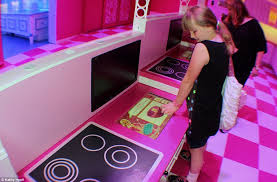 Big Barbie Dollhouse Tour Youtube by World U0027s First Ever Life Size Replica Of Barbie U0027s Dreamhouse Opens
