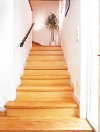 treppe aufarbeiten holztreppe aufarbeiten