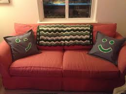 diy monday happy couch pillows a happy lass