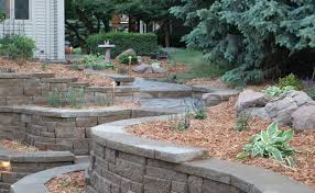 retaining wall design to create beautiful natural landscaping idea