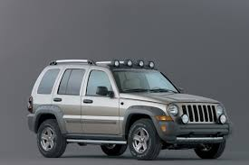 liberty jeep 2007 safety concerns raised after woman dies in jeep liberty crash