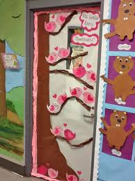 Valentine S Day Classroom Decor by 27 Creative Classroom Door Decorations For Valentine U0027s Day