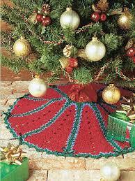 ravelry roundup 10 free christmas tree skirt just stitched