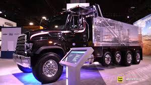 freightliner dump truck 2018 freightliner 114 sd dump truck walkaround 2017 nacv show