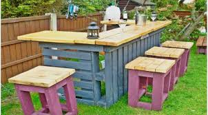 Outdoor Pallet Table Bar Stools Amazing Rustic Outdoor Tiki Bar Table And Stools Made