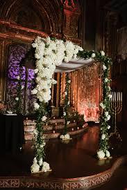 wedding arch nyc nyc classic synagogue wedding