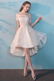 robe mari e courte devant longue derriere robe de mariée courte devant longue derrière épaule dénudée