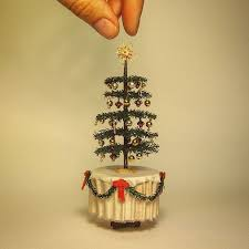 Style Tree Ornaments How To Decorate A Miniature Tree Ornaments