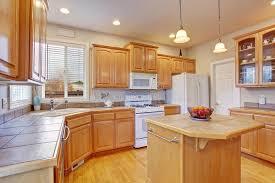 plancher cuisine bois cuisine moderne avec le plancher en bois dur photo stock image du