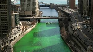 how chicago turns the chicago river green for st patrick u0027s day