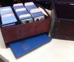 magic card storage box with dividers