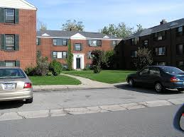 Huntington Apartments Buffalo Ny Walk Score by Tudor Gardens Apartments For Rent 200 Sanders Rd Buffalo Ny