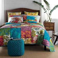 Coastal Quilts Rio Quilt The Liveliest Way To Wake Up Your Bed For The Summer
