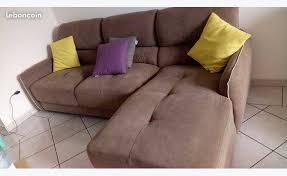 canapé couleur taupe un canapé d angle de couleur taupe annonce meubles et décoration
