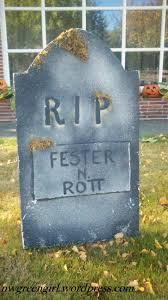 how to make tombstones for halloween decorations tombstones nwgreengirl