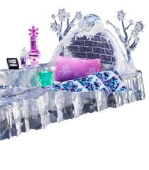 amazon com monster high abbey bominable s bed playset toys games